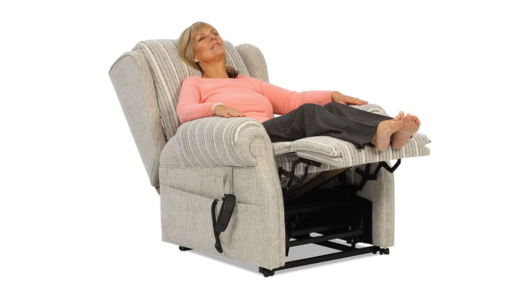 Best Recliners for Seniors in 2021
